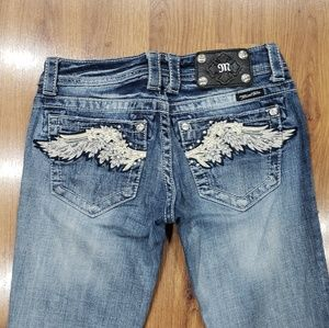 Gorgeous Wing Miss Me Jeans!!